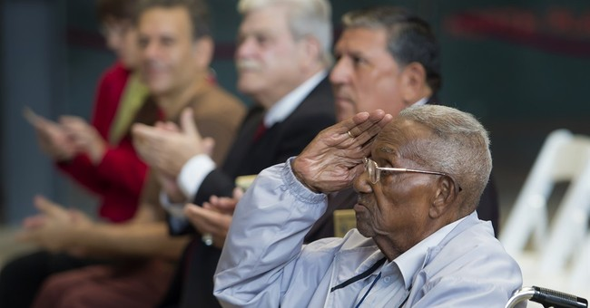 World War II Veteran turns 107 with a party in New Orleans