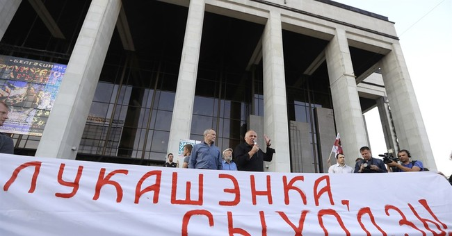 2 opposition candidates make it to Belarusian parliament