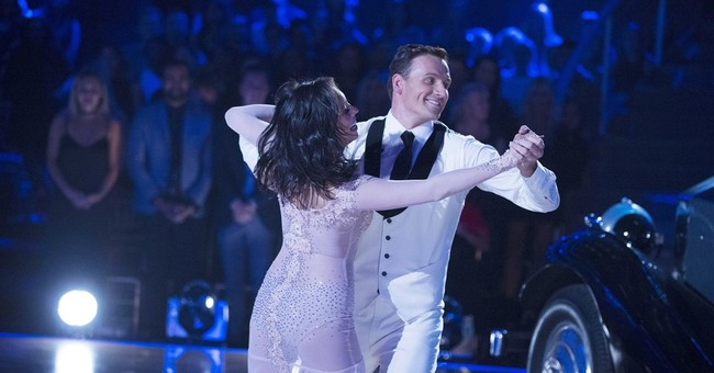 'DWTS' host: Lochte protesters rushing stage was 'unnerving'