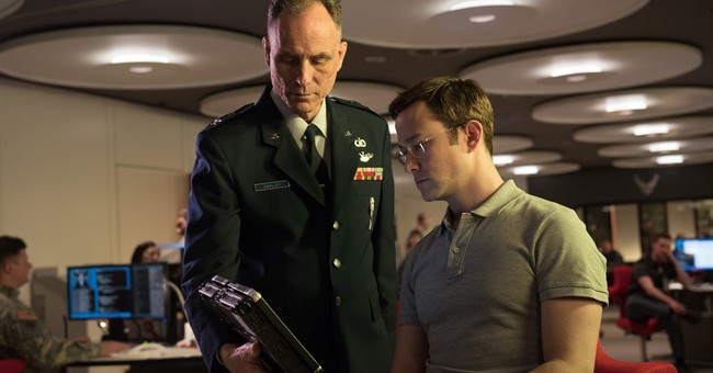 Review: Patriot games in Oliver Stone's 'Snowden'