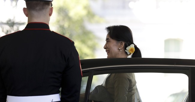 As Suu Kyi visits, US announces lifting of Myanmar sanctions