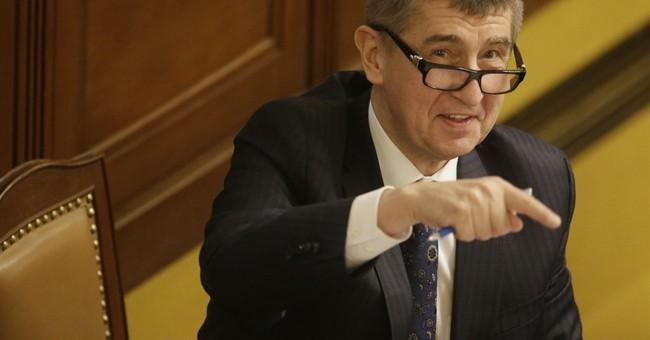 Czech lawmakers pass divisive conflict of interest amendment