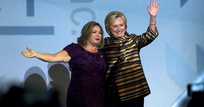 Clinton rips Trump on 'birtherism' before Hispanic group
