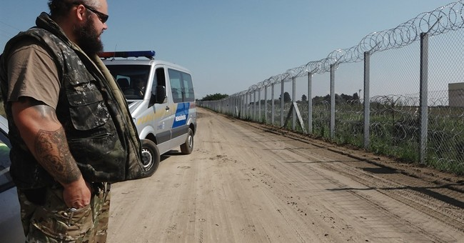 Hungary gears up to build new anti-migrant fence