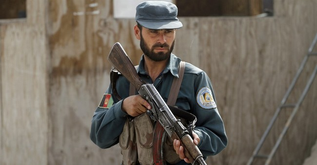 Afghan official: Policeman kills 10 other police in south
