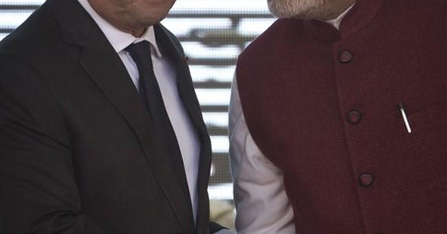 France's Hollande views Indian Republic Day parade