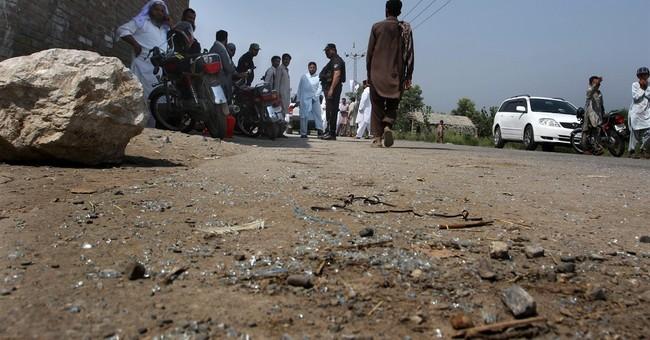 Gunmen kill 3 army soldiers in northwestern Pakistan