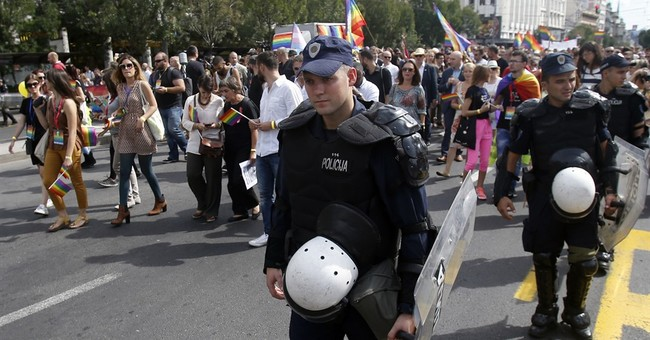 Serbia police cordon off Belgrade for gay pride march