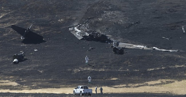 1 Air Force pilot dead, 1 hurt after ejecting in California