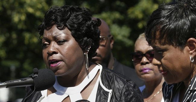 Time gap in offering aid after police shooting stirs concern