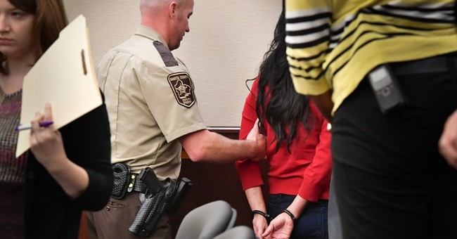 Minnesota mom chooses prison for hiding 2 teen daughters