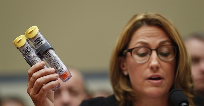 Mylan CEO infuriates lawmakers at hearing on EpiPen costs