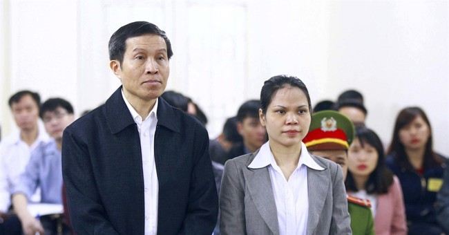 Hanoi  court begins hearing appeal by activist blogger