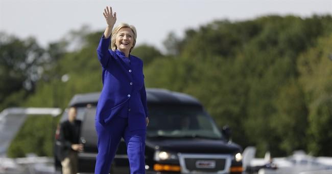 "Clinton campaign says Trump could have ""low bar"" at debate"