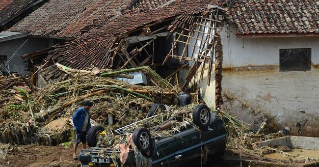 20 dead in floods, landslides on Indonesia's Java island