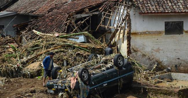 20 dead in floods, landslides on Indonesia's Java island
