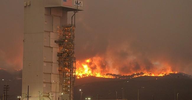 Firefighter dies, 1 hurt as 1,000 battle California wildfire