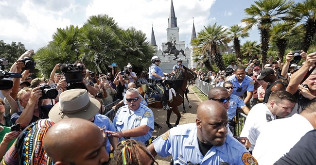 New Orleans: Hundreds protest Jackson, Confederate monuments