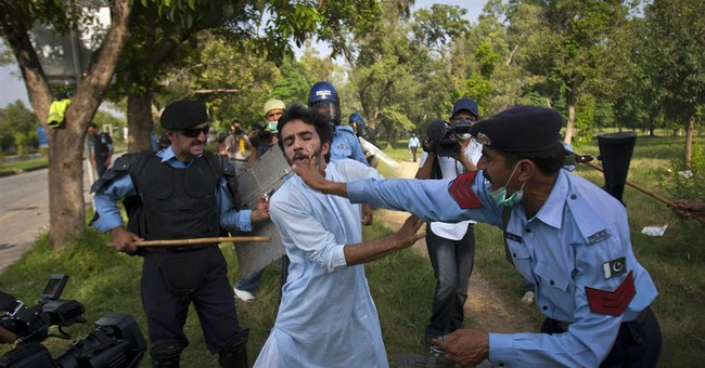 Rights group says Pakistan's police commit widespread abuse