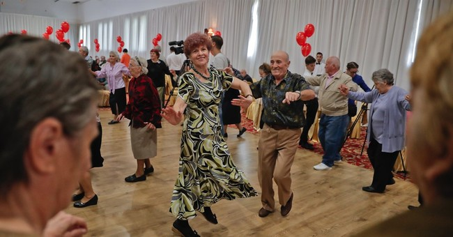 Hundreds of Romanian couples cash in on lasting love