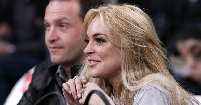 Lindsay Lohan visits hospital for Syrian refugees in Turkey