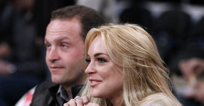 Lindsay Lohan visits hospital for Syrian refugees in Turkey