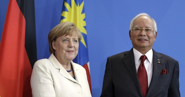 Malaysian PM: Committed to justice for downing of MH-17