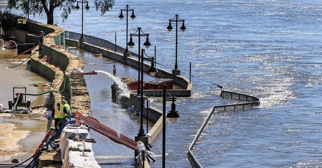 Cedar River in Iowa forecast to return to below flood stage