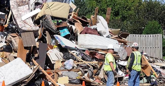 Cedar Rapids fends off flood damage with temporary barriers