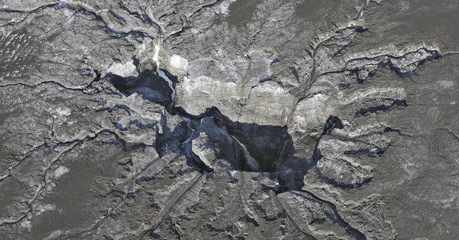 Wait, worry in Florida as polluted water goes down sinkhole