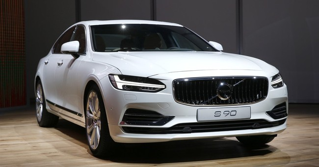 Volvo recalls 127K vehicles; leak can cause air bag problem