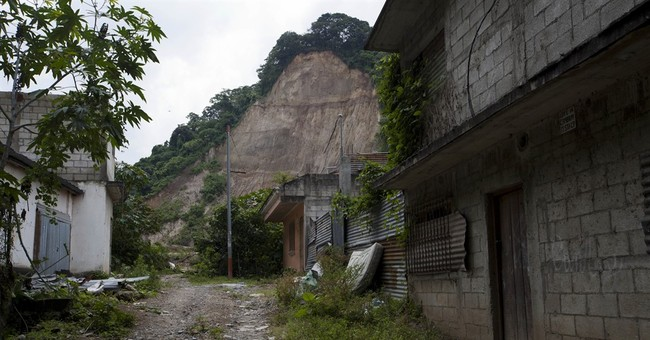 A year after mudslide killed 280, little change in Guatemala