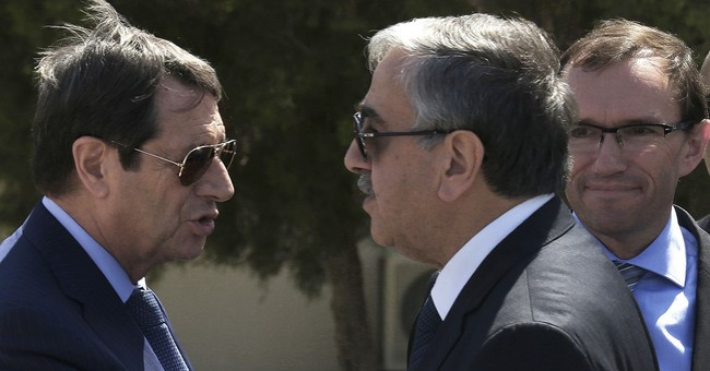 Cyprus president: No peace deal with Turkish military rights