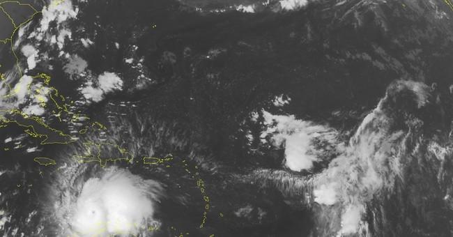 Hurricane Matthew soaks Colombia, heads for Jamaica, Haiti