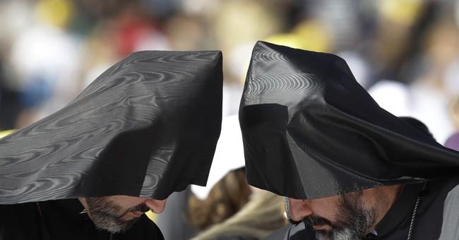 Pope Francis praises religious tolerance in Azerbaijan