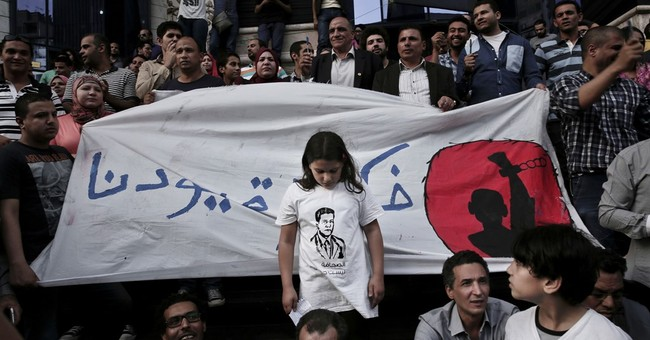 Lawyer says 3 Egyptian Journalists arrested were tortured