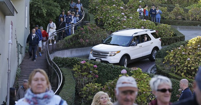 Tourists swamp San Francisco's famously curvy Lombard Street