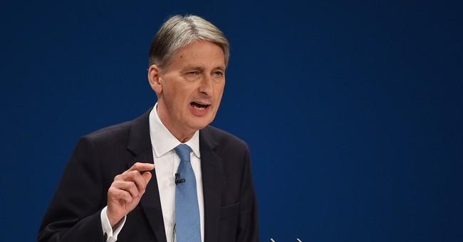 UK Treasury chief to reassure NY bankers over London future