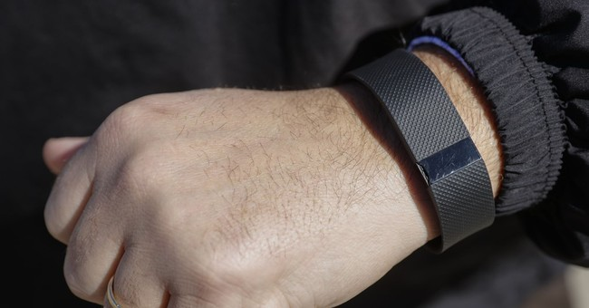 Don't expect Fitbits to improve health, help drop pounds