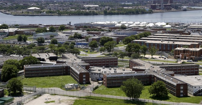Officials: 2 inmates assault 2 Rikers correction officers