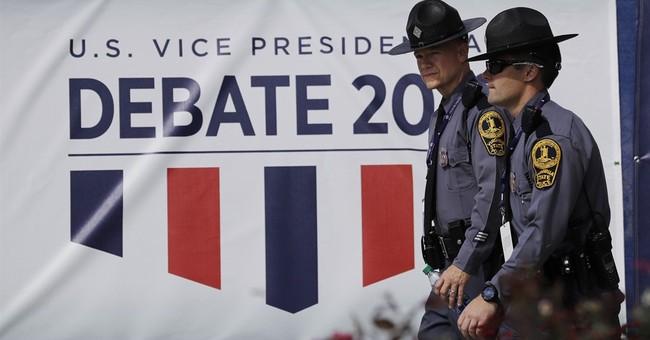 Mike Pence, Tim Kaine arrive at debate site