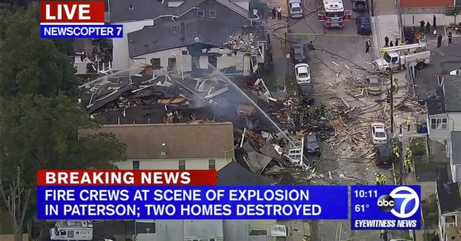 2 New Jersey homes destroyed in blast; no residents injured