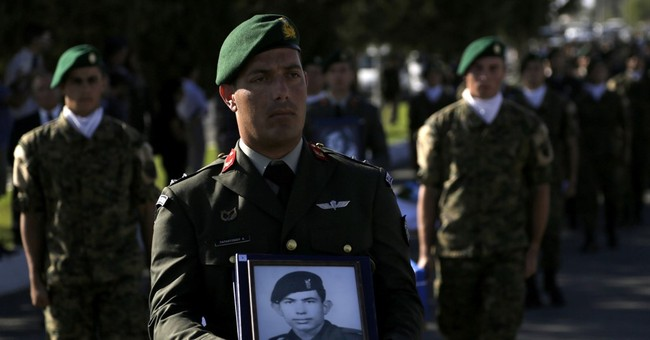 Cyprus returns remains of Greek soldiers killed in accident