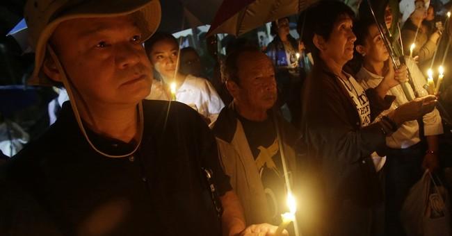 Buddhist monks lead commemoration of 1976 Thai massacre