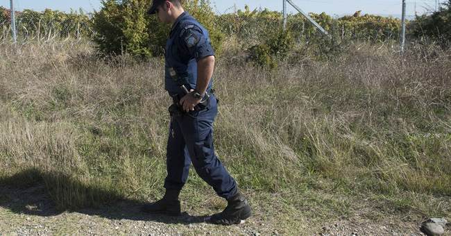 Migrants: Greece sees jump in border crossings