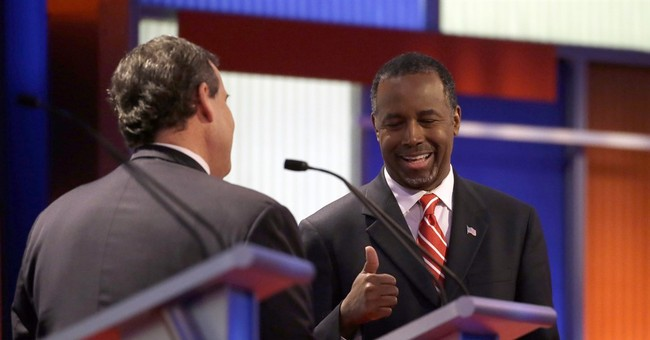 GOP rivals mock Trump, try to make the most of his absence