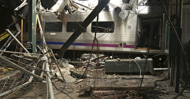 Commuter railroad changes arrival rule after station crash