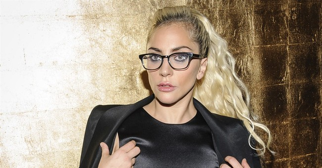 Lady Gaga premieres new songs at Nashville club