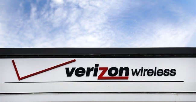 Verizon cuts jobs in stores as wireless growth slows