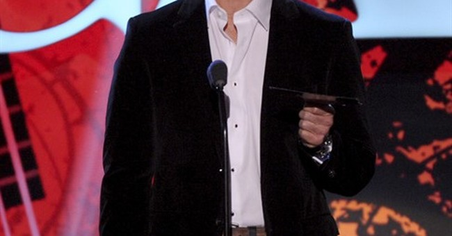 Joe Buck says vocal cord damaged in 2011 hair procedure